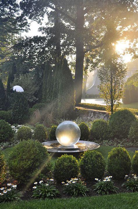 pretty  glowing garden gazing balls homemydesign