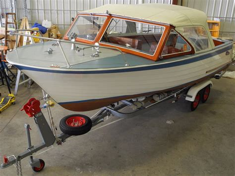 cruisers  vacationer power boat  sale www