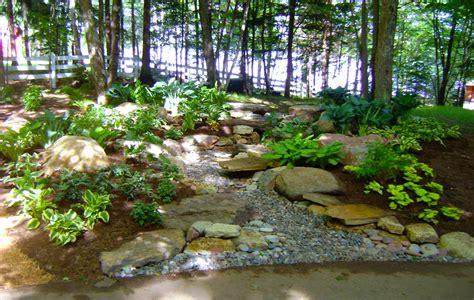 natural landscapes custom landscaping
