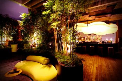 bar top dancing singapore 207 best singapore clean green safe a shoppers paradise food capital of the