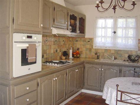 relooker une cuisine rustique en ch麩e relooker cuisine rustique chene cuisine id 233 es de