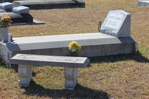 memorial concrete benches precast concrete tables precast concrete benches