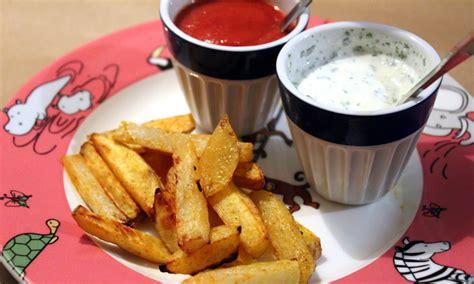 ab wann dürfen baby joghurt essen gesunde pommes quot rot wei 223 quot f 252 r babys ab 8 10 monaten und