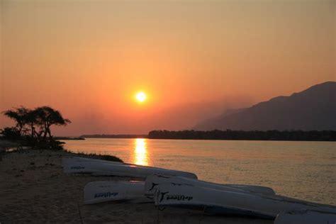 wann ist heute sonnenuntergang sambia reisebericht quot kanutour zambezi quot