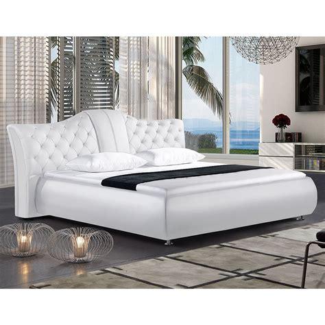 futonbett in schlafzimmer ideen billige schlafzimmer wohndesign und innenraum ideen