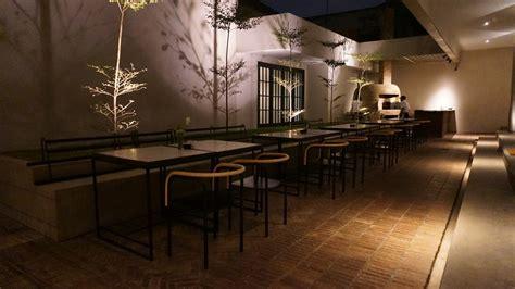 buro bar makan keliling - Buro Bar Surabaya