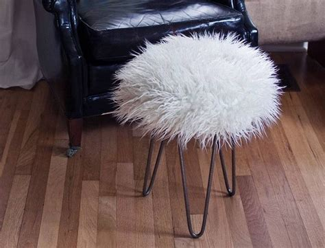 Cheap Faux Fur Stool by Diy Faux Fur Stool Must Make Asap Projects