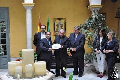 consolato italiano siviglia adolfo arenas ya es consul honorario de la real maestranza