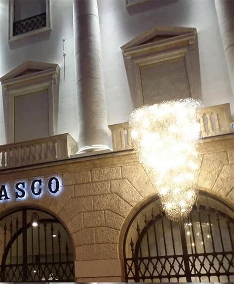 credito bergamasco sede itinerari di luce nuova installazione una cascata sulla
