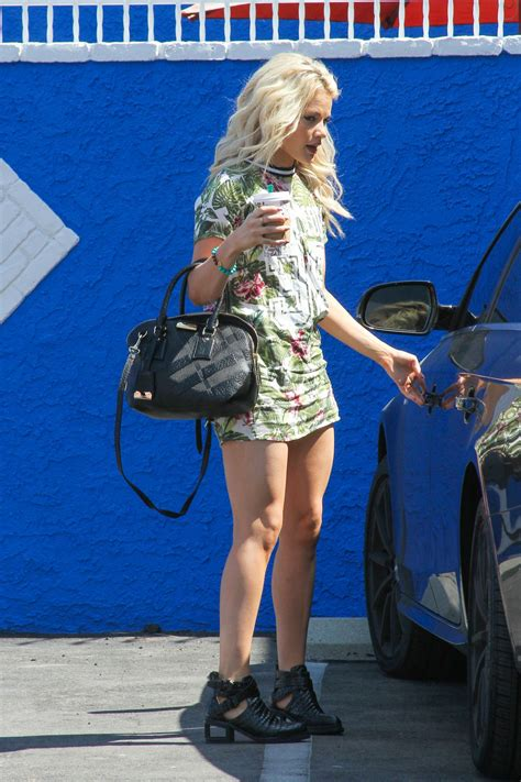witney carson dwts witney carson arrives at dwts rehersal studio in hollywood