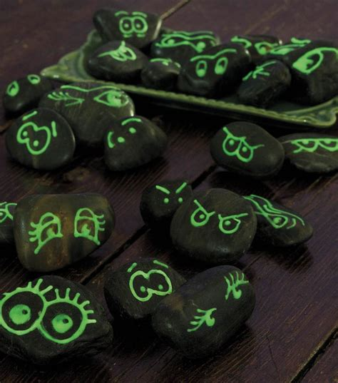 glow in the dark rocks glow in the dark rocks crafts pinterest