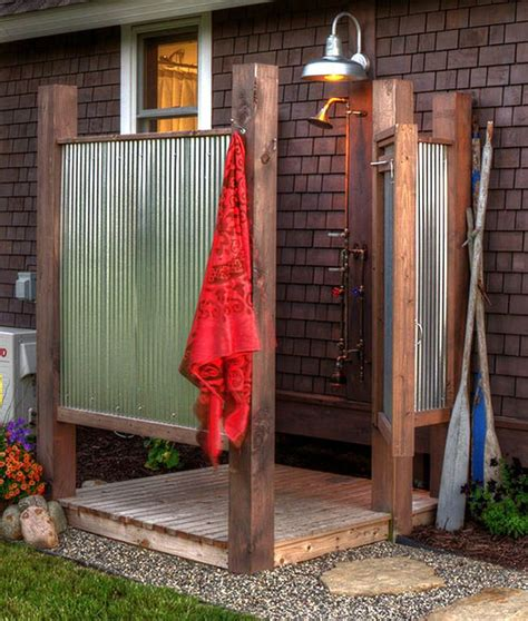 how to make an outdoor bathroom 25 best ideas about outdoor showers on pinterest pool