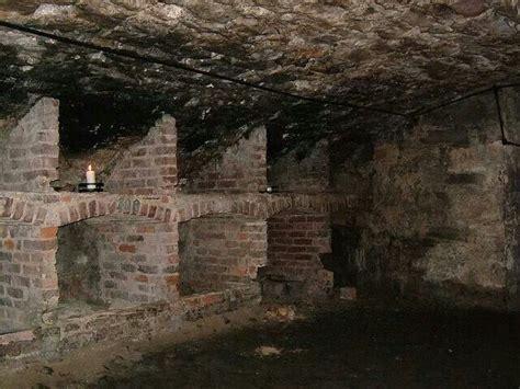 edinburgh vaults wikipedia south bridge vaults edinburgh eerie stuff pinterest