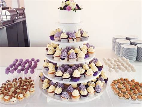 Hochzeitstorte Und Cupcakes by Hochzeitstorten Mundus