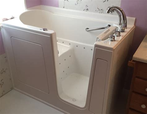 walk in bathtub singapore walk in bathtubs reviews