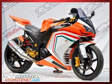 kombinasi warna teduh akan dominasi modifikasi motor 2013 modifikasi ninja 250 fi street fighter fairing ducati