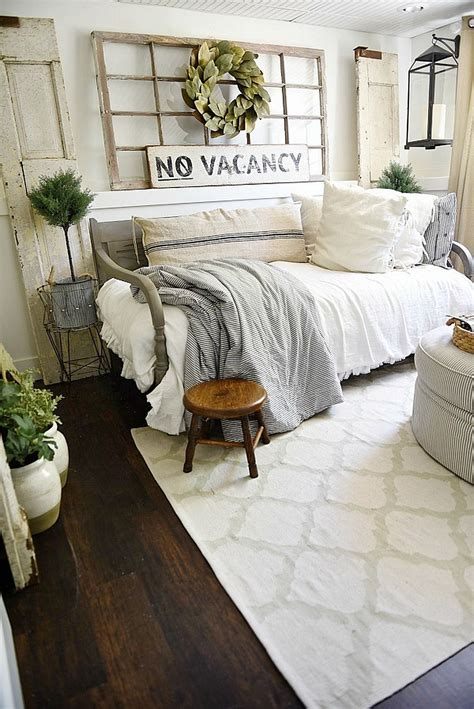 comfortable guest bed options 60 comfortable guest bedroom decor ideas 46
