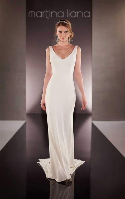 Simple Wedding Dresses Uk by Classic Simple Wedding Dress Martina Liana Wedding Dresses