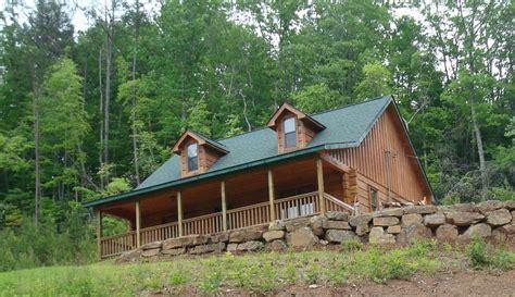 vrbo gatlinburg 5 bedroom 2 bedroom log cabin for mountain vacation vrbo