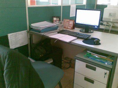 Meja Komputer Baru ada apa di meja kerja honey bee