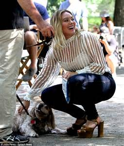 film sweet 20 online hilary duff whispers in horse s ear as she films latest