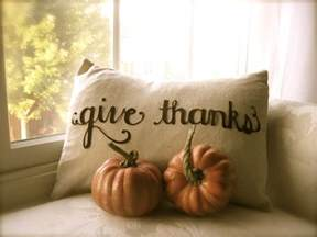 giving thanks at thanksgiving dishfunctional designs giving thanks thankful decor