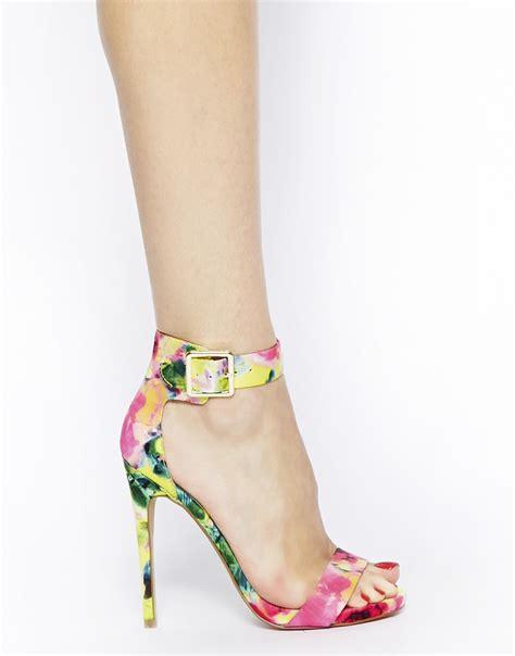 co de fiori scarpe sandali floreali steve madden quot marlenee quot un modello senza