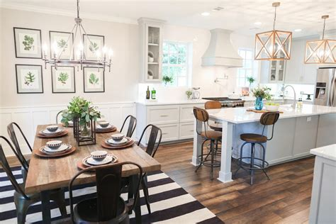 Joanna Gaines Dining Room Wall Paper Fixer Season 3 Episode 9 The Chip 2 0 House