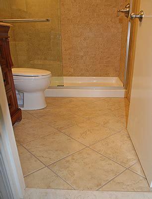 18x18 tile in small bathroom pisos para banheiro simples cer 226 mica e modelos construdeia