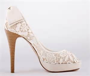 small-size-ladies-bow-tie-wedding-high-heels-the-gift