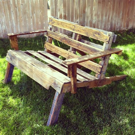15 best images about decorating with pallets on pinterest
