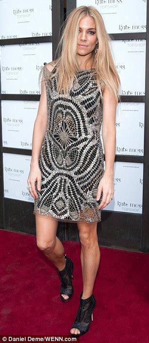 Kate Moss For Topshop Liveblog Pushy Cameramen by Kate Moss Slips Joins A Model Line Up Of Suki Cara