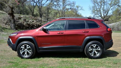jeep cherokee trailhawk  review jeeps smallest