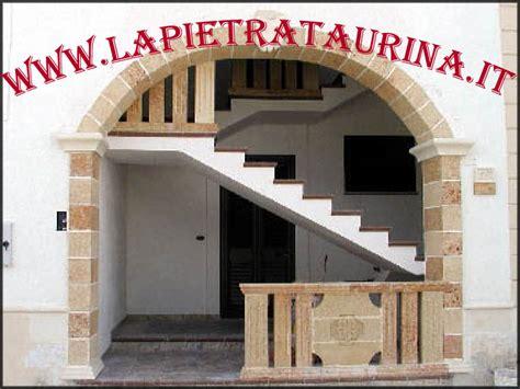 corrimano per scale interne a muro la pietra taurina