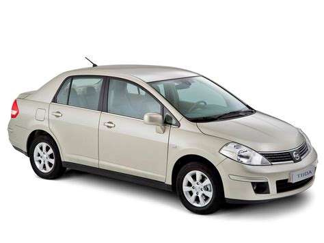 nissan tiida 2012 2014 nissan tiida review prices specs