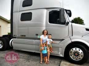semi truck with bathroom tdprojecthope