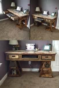 Diy Computer Desk From Pallets Diy Pallet Wood Distressed Table Computer Desk 101 Pallets