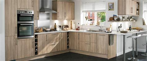 howdens kitchen cabinets greenwich cross sawn oak kitchen range kitchen families howdens joinery 384197 on wookmark