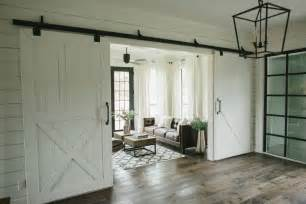 Barn House Doors Homes Chip Joanna Gaines On Fixer Magnolia Homes And Chip And Joanna Gaines