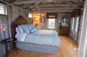 One Bed Guest Cottage Flanagan Farm Portland Maine Farmhouse Bedroom
