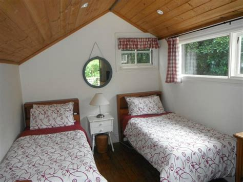 Stones Throw Cottage by Upstairs Room Picture Of S Throw Cottage B B