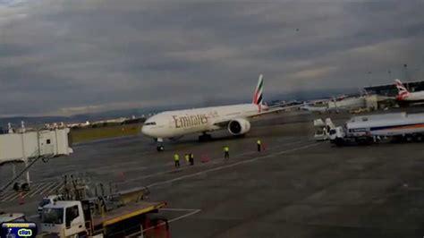 emirates glasgow to dubai emirates ek27 boeing 777 300er landing at glasgow airport