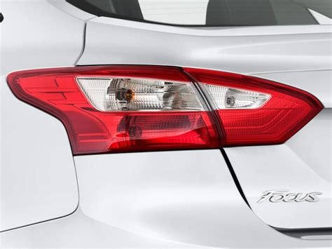 2014 ford focus tail light image 2014 ford focus 4 door sedan se tail light size