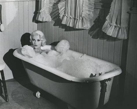 bathroom y movie film noir photos june 2012