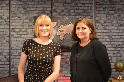 Novel Julie Dan Robyn Kaye web tv book 4 with alexandra heminsley robin