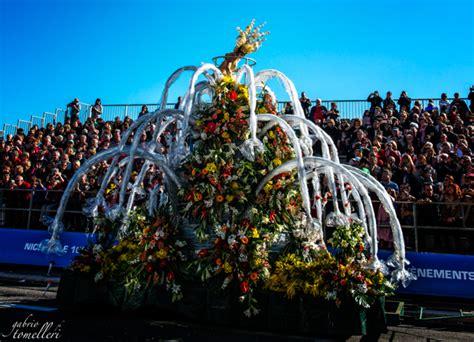 battaglia dei fiori i carri floreali della battaglia dei fiori