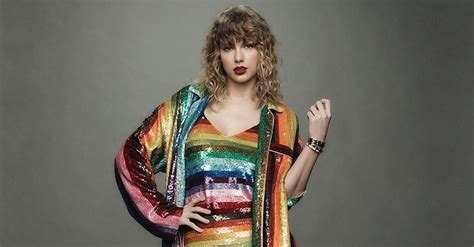 taylor swift albums sell taylor swift s reputation sells 1 22 million albums in