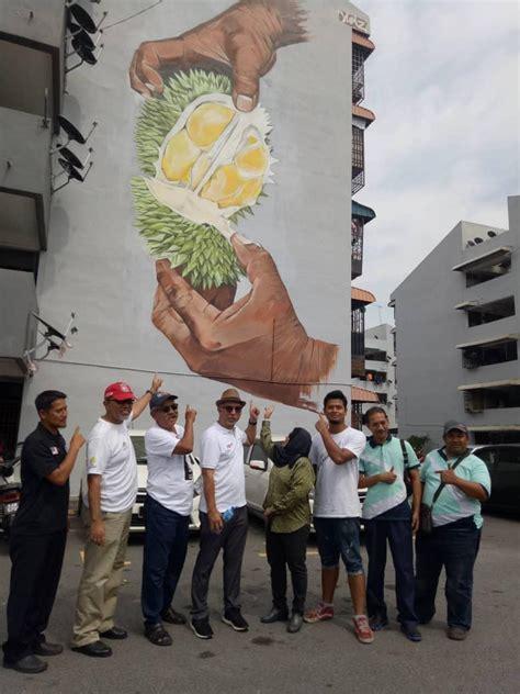 mural dinding ceriakan balik pulau malaysia aktif