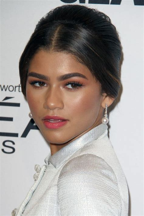 kc undercover with new hairstyle zendaya hairstyles kc undercover hairstyles by unixcode