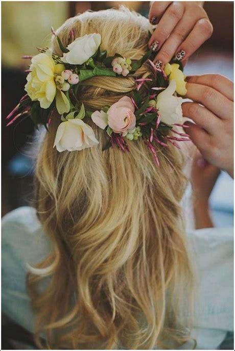 Hochzeitsfrisur Halboffen Blume by Brautfrisur Offen Blumen